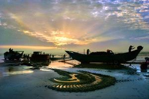 Bugis Photo Cup Circuit Merit Award - Tong Hu (China)  Myriads The Sea