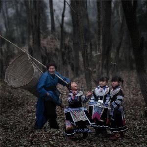 Bugis Photo Cup Circuit Merit Award - Yufeng Feng (China) <br /> Happy Childhood