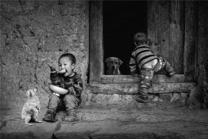 Bugis Photo Cup Circuit Merit Award - Ruiyuan Chen (China)  Children Outside The Door
