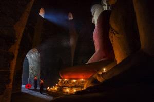 PhotoVivo Honor Mention - Yongming Liu (China)  Buddha