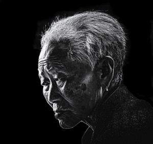 IUP Honor Mention - Tianyi Xiong (China)  The Thinking Old Woman