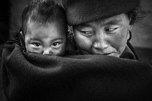 APU Gold Medal - Lishu Shu (China)  Mother And Child